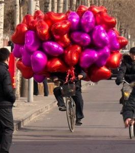balloons_biker
